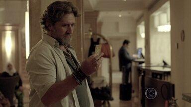 Espinoza questiona Josué sobre seu encontro com José Alfredo - Ele guarda no cofreum misterioso pote