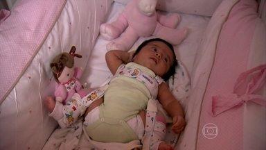 Diagnóstico precoce pode prevenir a displasia de quadril - O diagnóstico precoce pode prevenir problemas graves, como a displasia de quadril, comum entre as crianças que nascem de parto pélvico, ou seja, sentadas.