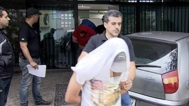 Quadrilha ganhou milhões de reais para fraudar o Enem - Áureo Moura Ferreira era um dos chefes da quadrilha e ostentava o luxo conquistado com fraudes nos vestibulares nos vestibulares de Medicina e no Enem. O esquema foi desmantelado pela polícia.