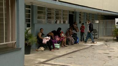 Médicos paralisam parte do atendimento do Hospital Infantil João Paulo II - Profissionais querem alertar população sobre os problemas da instituição. Muitos pais que levaram os filhos ao hospital foram embora sem atendimento.