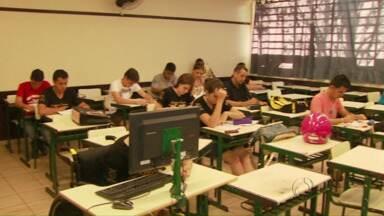 Cursos técnicos oferecidos em colégios estaduais estão com inscrições abertas - Há vagas para quem cursos subsequente e integrado.