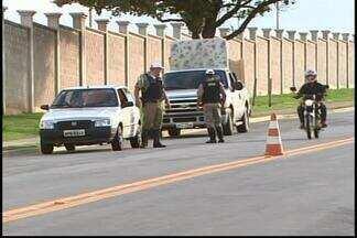 PM divulga resultado da Operação 'Inquietação' em Nova Serrana - Uma pessoa foi presa e seis veículos foram apreendidos.Mais de 50 militares e 17 viaturas participaram da operação.