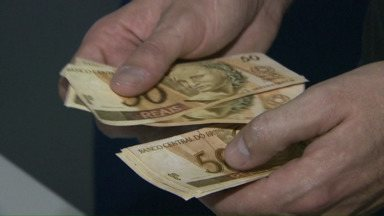 Polícia Federal apreende oito mil reais em notas falsas - Um homem foi preso e ele já tinha passagem pelo mesmo crime na polícia.