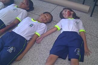 Alunos participam de simulação de acidente com botijão de gás em Poá - A ideia era treinar os agentes da Defesa Civil para casos de emergência.