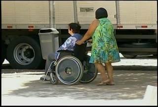 Ruas de Nova Friburgo, RJ, precisam de melhor infraestrutura para deficientes físicos - Rua de Nova Friburgo, RJ, precisam de melhor infraestrutura para deficientes físicos
