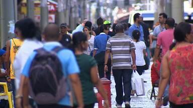 Expectativa de vida do brasileiro aumenta e exige mais trabalho - A expectativa de vida do brasileiro aumentou e com isso, exige que a população trabalhe mais.