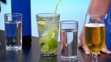 Intercalar bebida alcoólica com água diminui efeitos da ressaca - Álcool e energético é uma mistura perigosa. O consumo exagerado pode provocar arritmias e aumentar a pressão arterial. O psiquiatra Marcelo Santos Cruz explica o que é a amnésia alcoólica.
