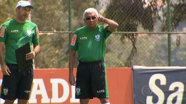 Givanildo Oliveira renova com o América-MG para 2015 - Comandante da reação americana na Série B, treinador renovou seu vínculo com o Coelho por mais uma temporada