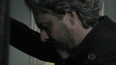 Império - Capítulo de terça-feira, dia 09/12/2014, na íntegra - José Alfredo se desentende com Maria Isis