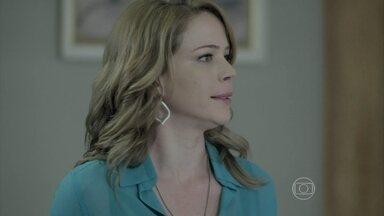 Cristina se irrita com uma discussão na casa de José Alfredo - João Lucas tenta entender o desprezo do pai