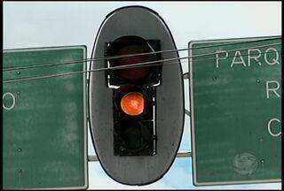 Semáforos estão com defeito em alguns pontos de Petrolina - Este é um problema que atinge condutores e pedestres.