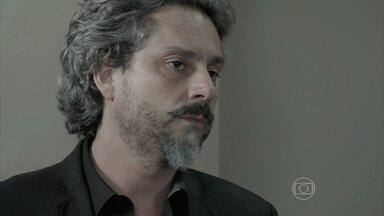 Zé Alfredo diz para Marta que tomou as providências necessárias contra Téo - Comendador é pressionado pela família