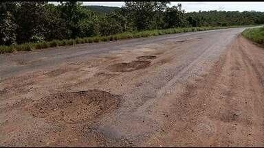Motoristas reclamam dos buracos em rodovias no sul goiano - Uma das piores situações é a da via que liga Caldas Novas a Ipameri.