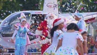Papai Noel faz a alegria da criançada no Recife - Bom velhinho chegou de helicóptero no bairro do Derby.