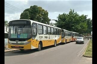 Em Belém, motoristas de ônibus decidiram mudar o itinerário para tentar fugir dos bandidos - Motoristas das linhas que atendem o bairro do Benguí encurtaram o caminho e muitos moradores tem que seguir a pé até suas casas.