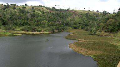 Será que aqui na Bahia corremos o risco de uma crise hídrica? - Confira uma matéria sobre a situação dos nossos reservatórios de água, de onde vem e como se dá essa distribuição. Além da questão da escassez de água, como podemos consumir de forma inteligente.