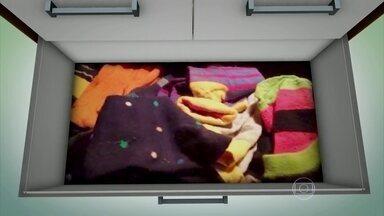 Bem Estar abre a gaveta de meias de Fernando Rocha - Fernando Rocha abriu sua gaveta de meias. Ele disse que usa cores fortes porque acorda muito cedo e isso ajuda a identificá-las mais rápido.