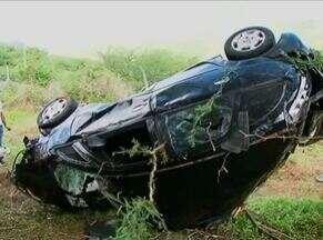 Dois acidentes deixam três mortos no município de Serra Talhada - Um dos casos ocorreu em trecho da PE-365; dois jovens foram vítimas. Ocorrência em Centro da cidade envolveu duas motos e mulher morreu no local.
