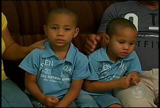 Gêmeos: semelhança é só na aparência - Quando se fala em irmãos gêmeos, a gente pensa logo em pessoas iguaizinhas.Mas as semelhanças ficam só nas aparências