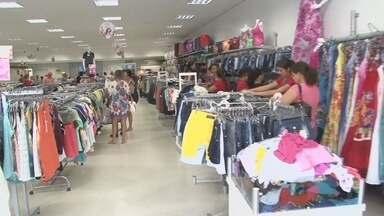 Lojistas de Ji-Paraná devem abrir comércio neste fim de semana - Consumidores ganham com isso mais tempo para as compras.