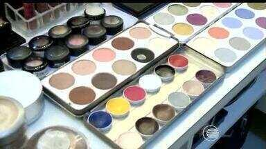Confira dicas de maquiagem para comemorar a virada do ano com estilo - Confira dicas de maquiagem para comemorar a virada do ano com estilo
