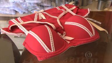 Cores da roupa íntima carregam significados e desejos para 2015 - Amor, paz e dinheiro estão entre os principais pedidos. Confecções em Juruaia investiram em criações para a festa da virada.