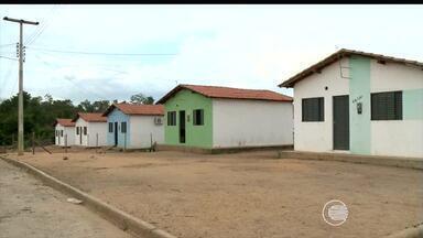 Teresinenses sofrem a falta de água na capital - Teresinenses sofrem a falta de água na capital