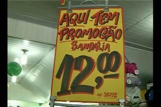 Lojas do centro comercial de Belém apostam nas promoções para atrair os consumidores - A ideia é zerar o estoque de mercadorias que sobraram do Natal.