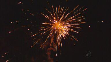 Queima de fogos de artifício é tradição na virada do ano; confira programação no Sul de MG - Queima de fogos de artifício é tradição na virada do ano; confira programação no Sul de MG