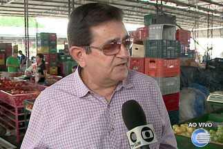 Réveillon provoca aumento na venda de frutas na Ceapi - Romã, uva e morango são as frutas mais procuradas.