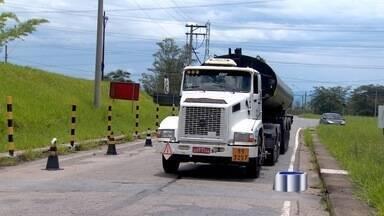 Sistema de operações da Revap, em São José dos Campos, apresenta instabilidade - O problema fez com que o pátio da refinaria ficasse lotado de caminhões à espera de combustível para ser distribuído na região.