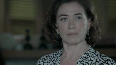 Marta e Cora se unem para descobrir a verdade sobre a morte de Zé - As duas prometem acabar com a farsa do Comendador