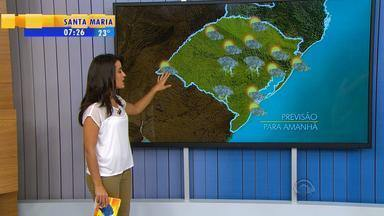 Tempo: quinta-feira (8) segue com instabilidade em todo RS - Mesmo com chuvas, temperaturas seguem altas.