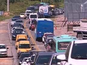 Obra na ponte que leva ao aeroporto de Florianópolis causa engarrafamento no trânsito - Obra na ponte que leva ao aeroporto de Florianópolis causa engarrafamento no trânsito