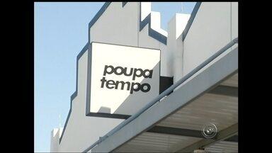 Caixa de energia pega fogo em unidade do Poupatempo em Marília - Um incêndio na caixa de energia do Poupatempo de Marília (SP) na manhã desta quarta-feira (7) suspendeu o atendimento na unidade. O prédio foi evacuado e ninguém ficou ferido.