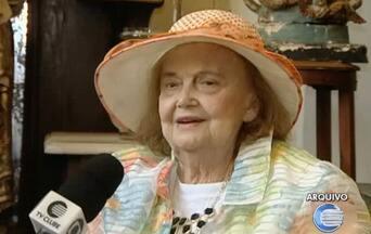 Morre aos 87 anos em Teresina a escritora e jornalista Genu Moraes - Personalidade piauiense, Genu estava internada desde o domingo (4).Genu foi a primeira mulher do Piauí a dirigir um automóvel.