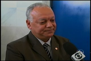 Tomou posse, no Recife, o novo reitor da Universidade de Pernambuco - Na cerimônia, ele anunciou a abertura de concurso público para professor.