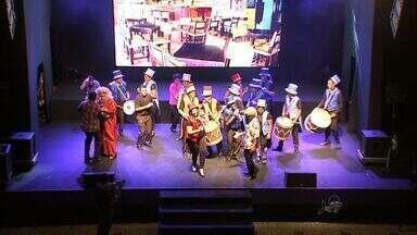 Operários topam desafio e criam peça teatral - Projeto foi realizado em Fortaleza.