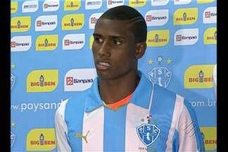 Paysandu apresenta Érico Júnior e Magno Alves - Atacante e zagueiro chegam sabendo da responsabilidade.