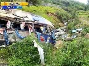 Acidente com ônibus de turismo deixa 9 mortos na Serra de SC - Acidente com ônibus de turismo deixa 9 mortos na Serra de SC