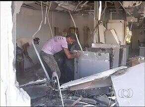 Polícia procura por homens que explodiram agência bancária em Alvorada - Polícia procura por homens que explodiram agência bancária em Alvorada