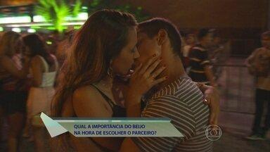Qual a importância do beijo? Encontro vai às ruas saber - Homens e mulheres contam suas experiências e mostram que o beijo é essencial para saber melhor sobre o parceiro