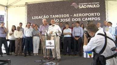 Alckmin inaugura via que liga Tamoios e o Aeroporto de São José - Governador de São Paulo visitou o município na manhã desta segunda-feira (12).