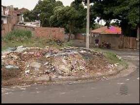 Terreno vira depósito de lixo na Vila Líder, em Pres. Prudente - Tentativas de solução foram frustradas.