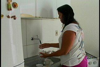 Abastecimento de água melhora na Vila Esperança, em Petrolina - Os moradores estavam revoltados com a situação.
