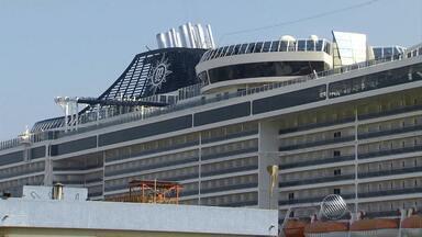 Marinha suspende busca por passageiro de caiu de navio em Abrolhos - Buscas podem ser retomadas caso surja nova pista.