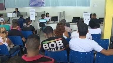 Procura por emprego na Construção Civil ainda é grande em Porto Velho - Mesmo sem abertura de novas vagas, as filas no Sine da capital são grandes desde o início da manhã.