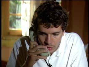 Duda consegue ligar pra casa - Geléia avisa Silvana que o rapaz está vivo