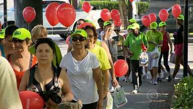 Praça Floriano Peixoto recebe segunda etapa do Projeto Caminhar - Iniciativa estimula prática de atividades físicas e hábitos saudáveis.