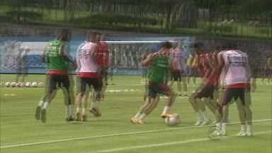 Diego Aguirre prepara Inter para vencer títulos em pré-temporada - Técnico afirmou que pensa 24 horas por dia em Internacional e não tem tempo para outra coisa.